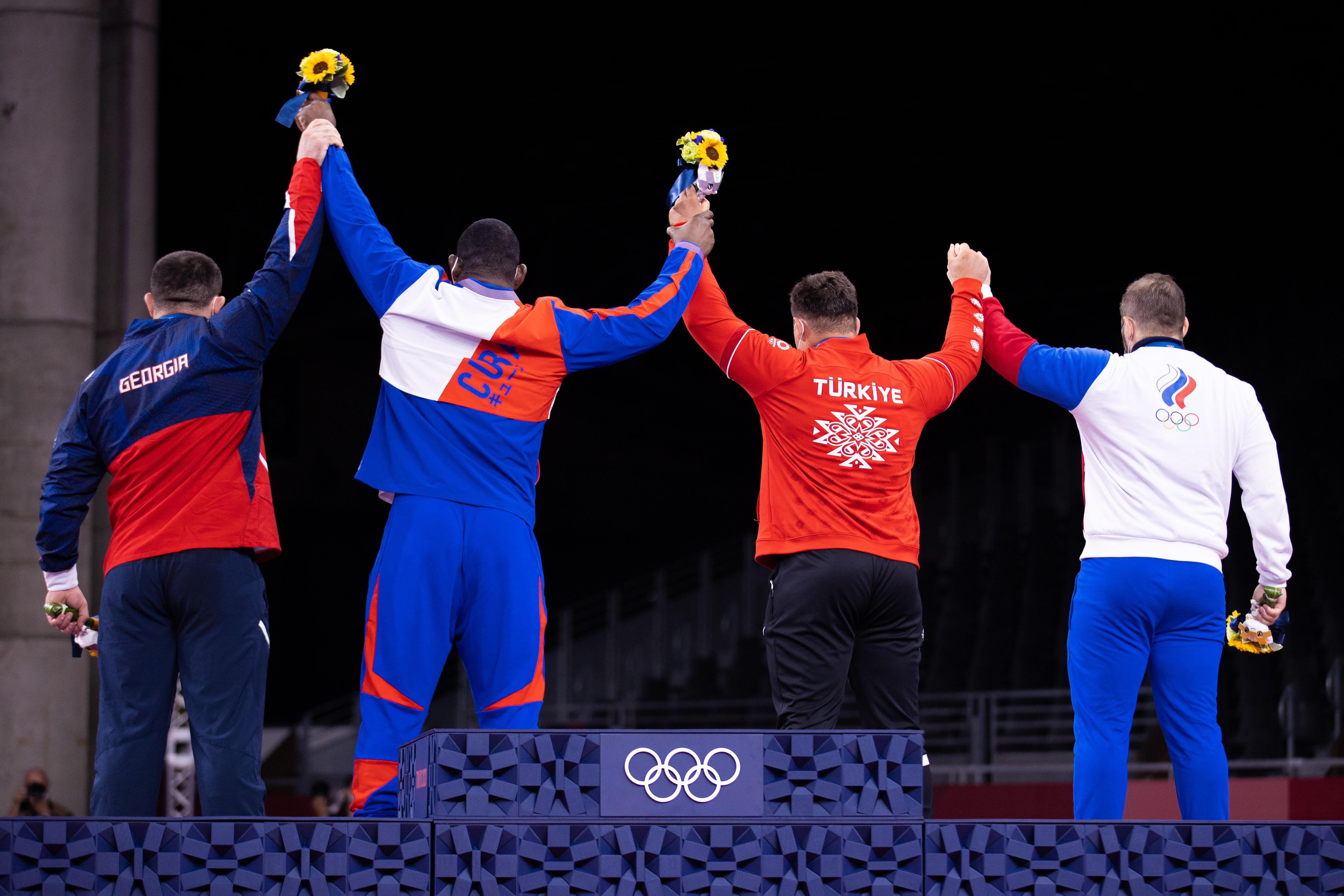 130kg podium